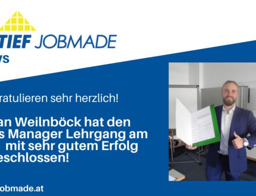 Stefan Weilnböck mit Sales Manager-Diplom